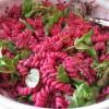 Salade de pâte betteraves rouges tomates cerise et mâche