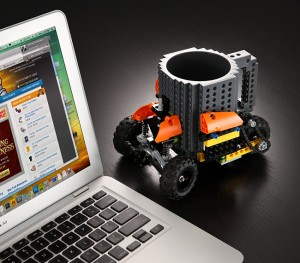 ee3c_build-on_brick_mug_desk