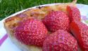 La tarte à la rhubarbe et aux fraises