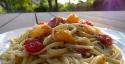 Les linguines aux tomates cerise et huile de basilic