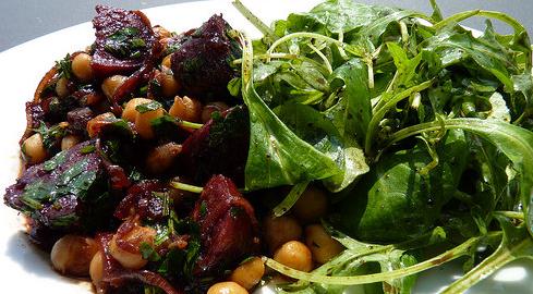chorizo braisé au vin rouge thumbnail